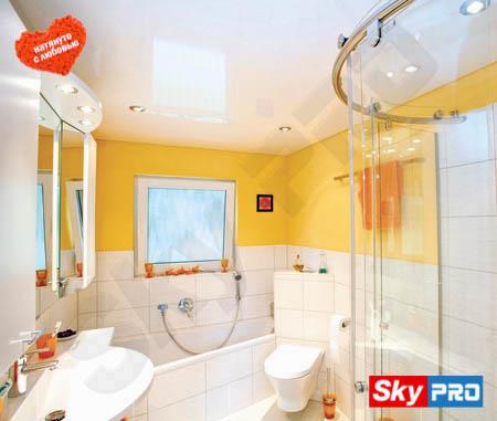Выбор натяжного потолка для ванной комнаты