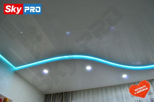 Профессионально расположить светильники на натяжном потолке
